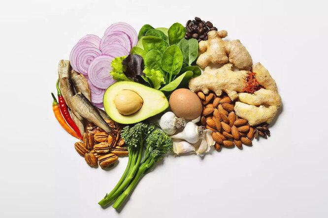 Чем кормить мозг: 5 полезных дляума продуктов