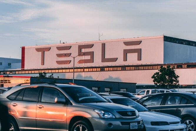 Tesla отказалась отсамого дорогого седана Model S Plaid Plus — компании Маска нехватило запчастей