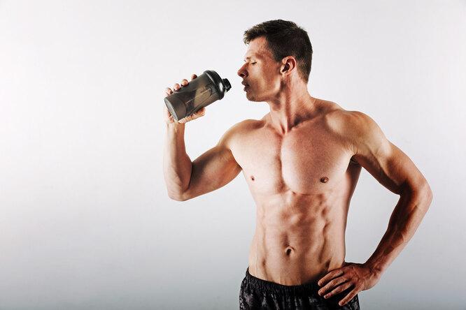 Стоит ли пить протеиновый коктейль сразу после тренировки?