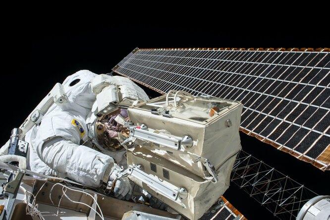Российским космонавтам повысили зарплату — самые опытные будут получать свыше 500 тысяч рублей вмесяц