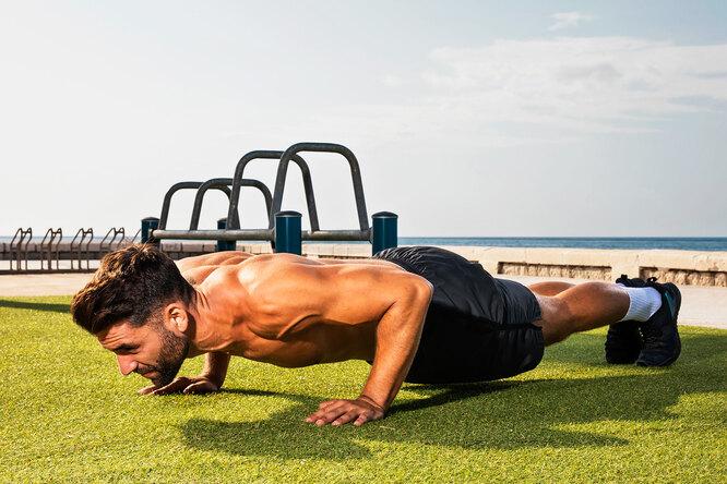 Чем полезны отжимания: 10 преимуществ знакомого всем нам упражнения