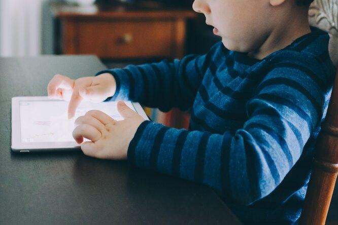 Младенец купил обновления дляTesla на$10 тысяч
