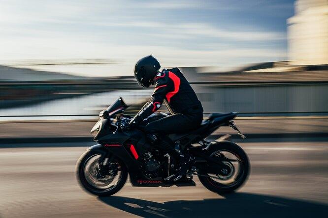 Камеры надорогах вМоскве смогут выявлять мотоциклистов безшлемов