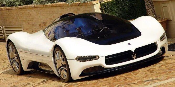 <br />Maserati Birdcage &ndash; прототип 2005 года от Maseratti, вдохновлённый гоночным авто Maserati Tipo 63. Он был оборудован 6-литровым двигателем V12, выдающим более 700 л.с. Одной из особенностей дизайна было полное отсутствие дверей &ndash; в машину полагалось забираться сверху, откинув стеклянную крышу.<br />&nbsp;