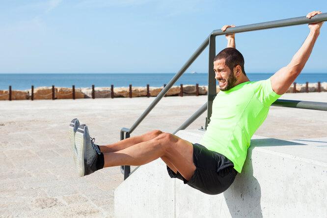Как качать пресс: 6 популярных упражнений длязаветных 6 кубиков