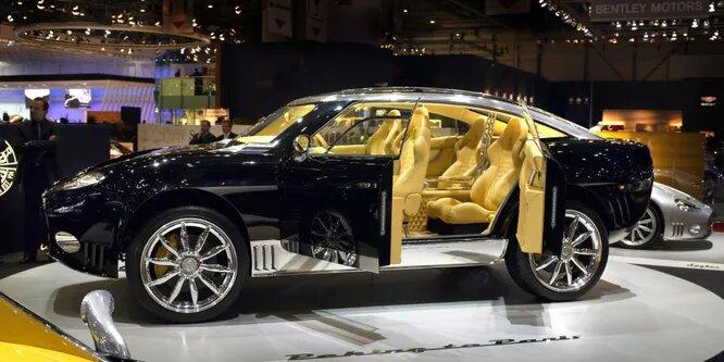 <br />Spyker D12 Peking-to-Paris, несмотря на неуклюжее имечко, завоевал любовь ценителей авто в 2006 году. Он позаимствовал движок W12 у Audi и выдавал 500 л.с. Этот концепт-кар даже должен был выйти в производство в 2014 году, но к несчастью, Spyker объявили о банкротстве.<br />&nbsp;