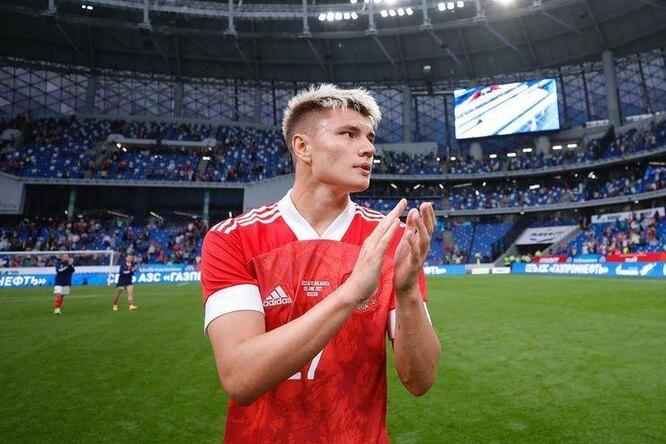 Футболист российской сборной сдал сомнительный тест накоронавирус передстартом Евро-2020