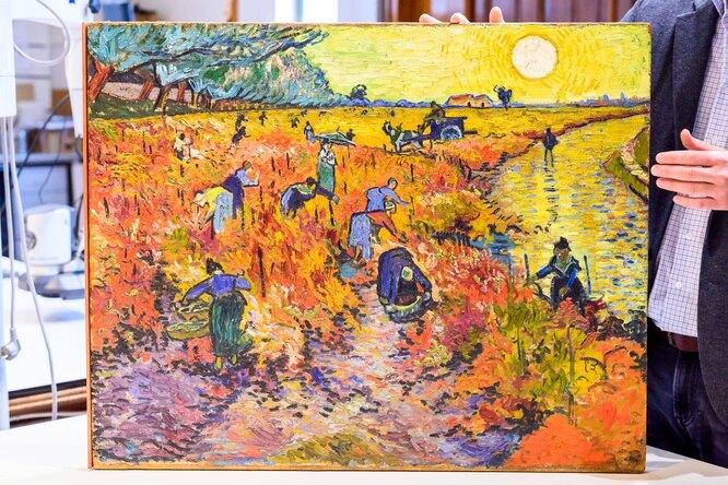 Реставрация картины Винсента Ван Гога «Красные виноградники вАрле. Монмажур»
