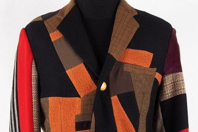 На аукцион выставят пиджак Эдуарда Лимонова, который он сшил сам
