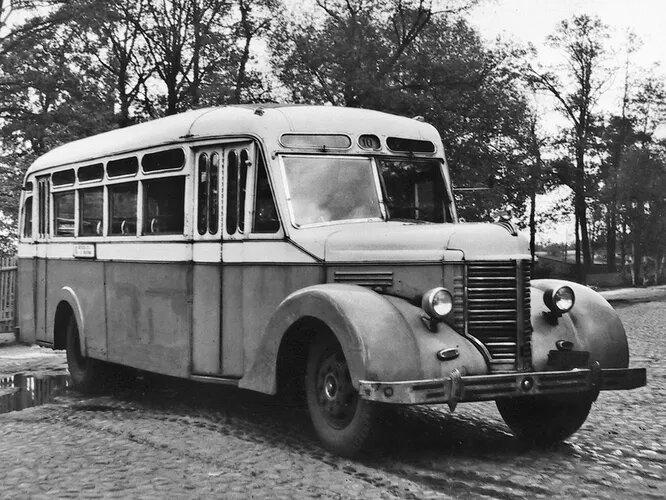<br />АТУЛ Л-IV (1949-1950). Ремонтный завод авторемонтного управления Ленсовета (АТУЛ) производил автобусы под собственным названием с 1933 по 1954 год и был одним из крупнейших автобусостроительных предприятий СССР, особенно до войны.<br />&nbsp;