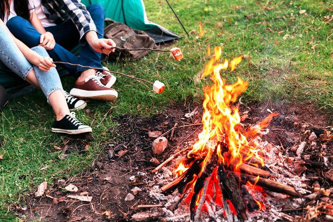 Как разжечь огонь безспичек: 5 простых способов