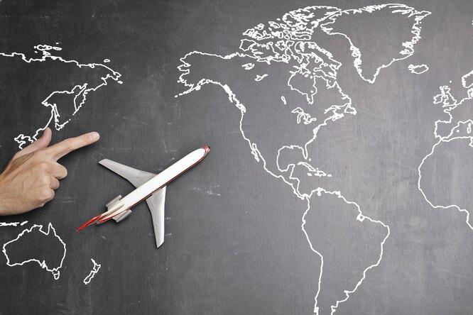 Wi-Fi наборту самолета? Проект Илона Маска уже ведет переговоры савиакомпаниями