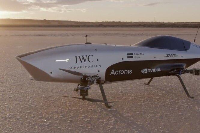 В Австралии испытали летающий гоночный автомобиль