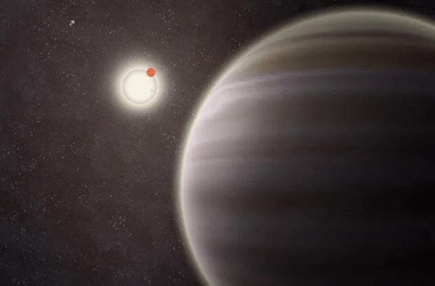 <br />В октябре 2012 года двое астрономов из &laquo;Охотников за планетами&raquo;, Киан Жек и Роберт Гаглиано, обнаружили планету PH1, расположенную в звёздной системе с четырьмя светилами. Сама планета &ndash; газовый гигант, вращающийся вокруг двух солнц. Хотя четверные системы открывали и раньше, но в них никогда не было замечено планет.<br />&nbsp;