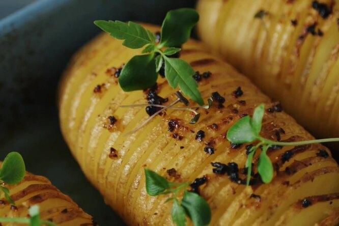 В духовку: 4 рецепта запеченного картофеля, чтобы удивить гостей
