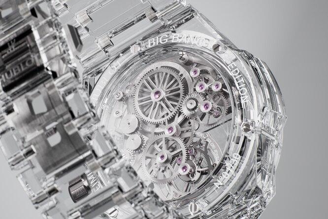 Вершина совершенства: полностью прозрачные часы Hublot изсапфира