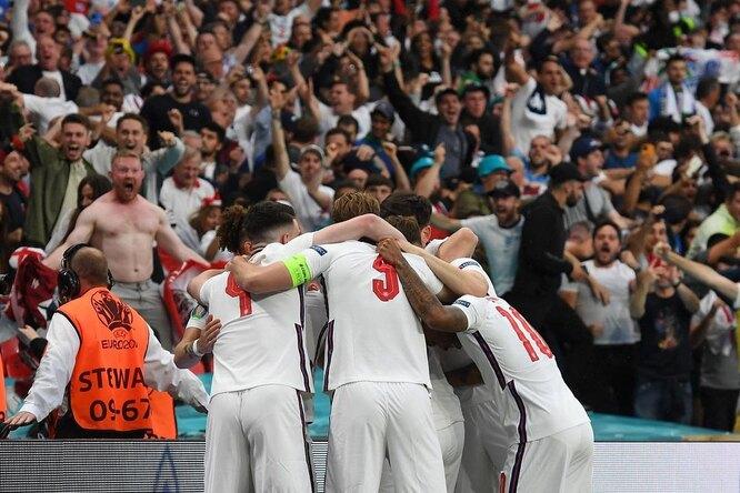 Болельщик набил тату «Англия — чемпион Евро-2020» занесколько дней дофинала — он несомневался всвоей команде