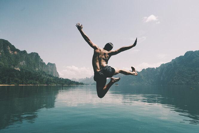 Как обезопасить себя отCOVID-19 наотдыхе? Отвечает эксперт