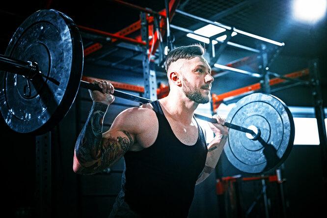 6 лучших упражнений длятренировки плеч со свободным весом