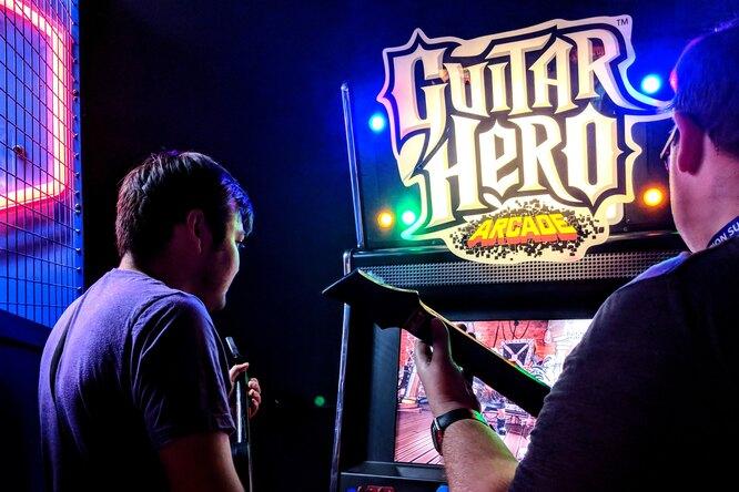 Блогеру впервые удалось сыграть одну изсложнейших песен Guitar Hero на100 %