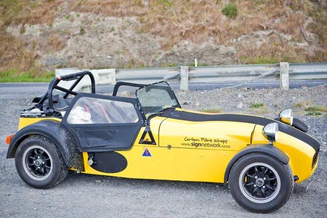 <br />Leitch Super Sprint &ndash; ещё одна фантазия на тему Lotus 7 в исполнении новозеландцев. Компания Leitch делает кит-кары и реплики с 1986 года, а также занимается автореставрацией.<br />&nbsp;