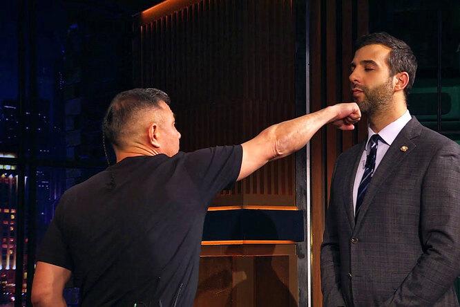 Костя Цзю отработал боксерский прием сИваном Ургантом