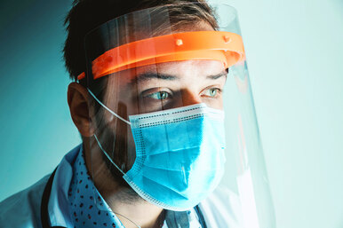 Поможет ли маска ипрививка: что нужно знать огриппе?