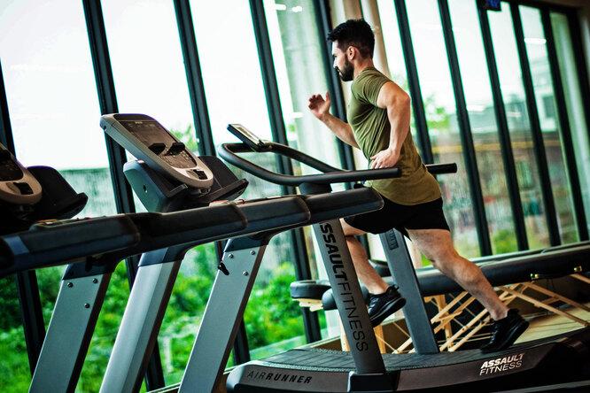 6 эффективных упражнений длябеговой дорожки