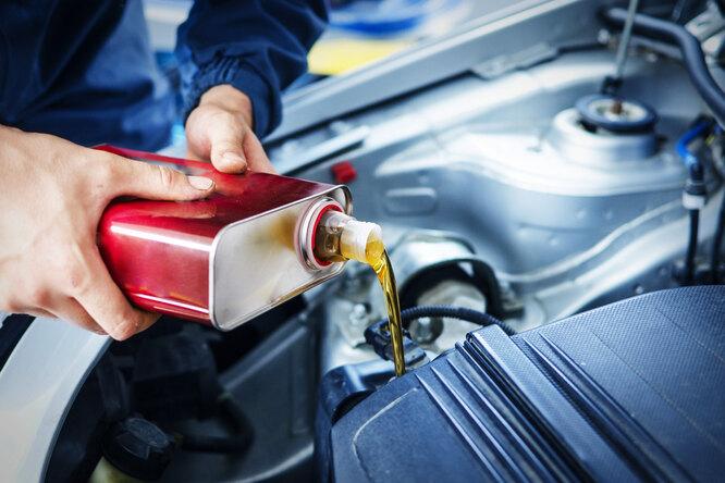 Моторное масло: каким оно бывает, икак понять, когда пора его менять?