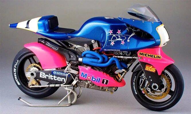 <br />Делают в Новой Зеландии и мотоциклы. Компания Britten была основана в 1992 году и вскоре после основания выпустила на рынок необычный мотоцикл Britten V1000, лишённый рамы &ndash; несущим элементом был непосредственно двигатель.<br />&nbsp;