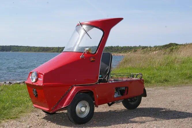 <br />Norsjo. Компания, основанная в 1951 году и до сих пор производящая мопеды. Norsjo Shopper (на снимке) &ndash; автомобилеподобный трёхколёсный мопед, представленный в 1994 году.<br />&nbsp;