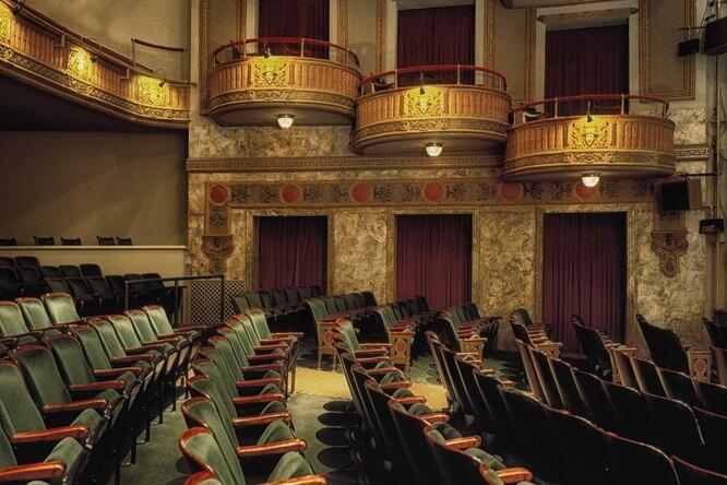Московские театры планируют ввести систему QR-кодов