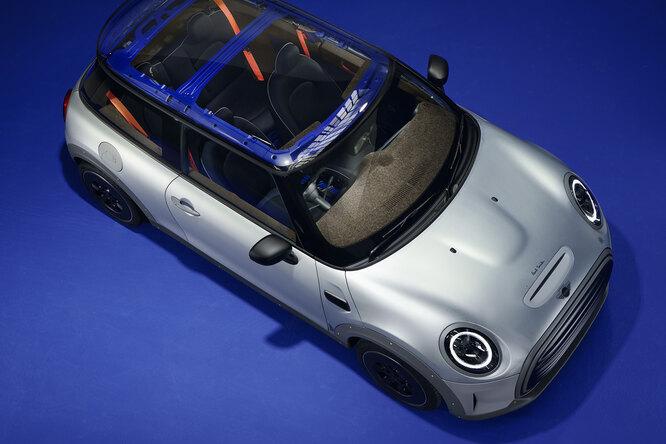 Экологичный MINI Cooper SE отPaul Smith: голый, но модный