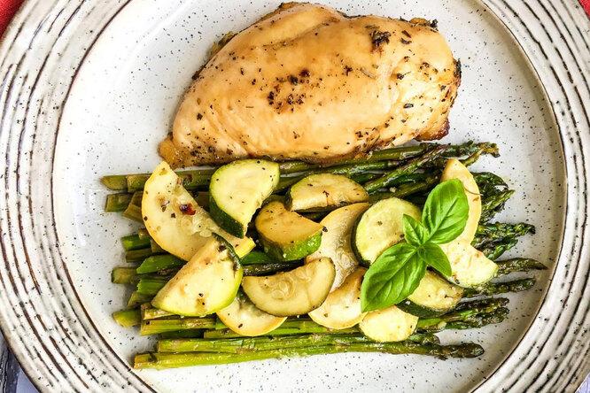 Курица по-гречески счесноком: быстро, вкусно иполезно