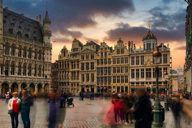 Жителям европейской страны стали прописывать посещение музеев отстресса после COVID-19