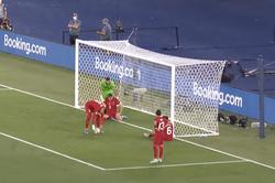 Видео: впервые вистории чемпионатов Европы первым забитым мячом турнира стал автогол