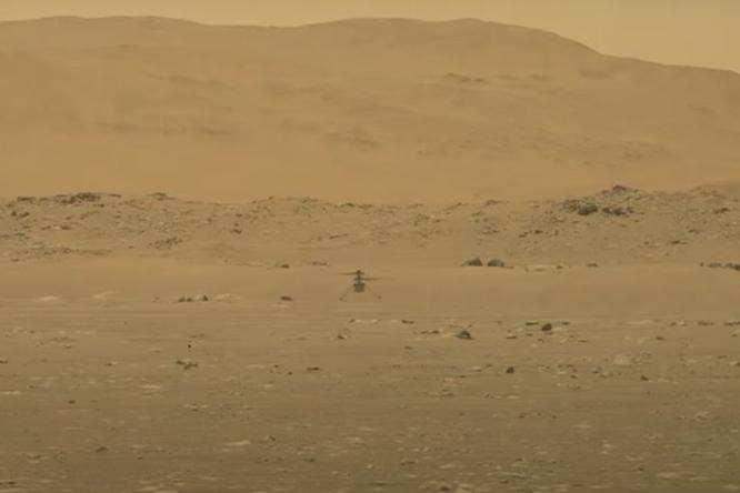 На Марсе впервые вистории запустили вертолет. Он будет исследовать поверхность планеты
