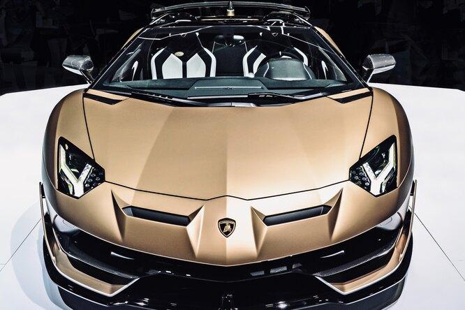 Блогер собрал Lamborghini изкартона ипродал поцене настоящего автомобиля