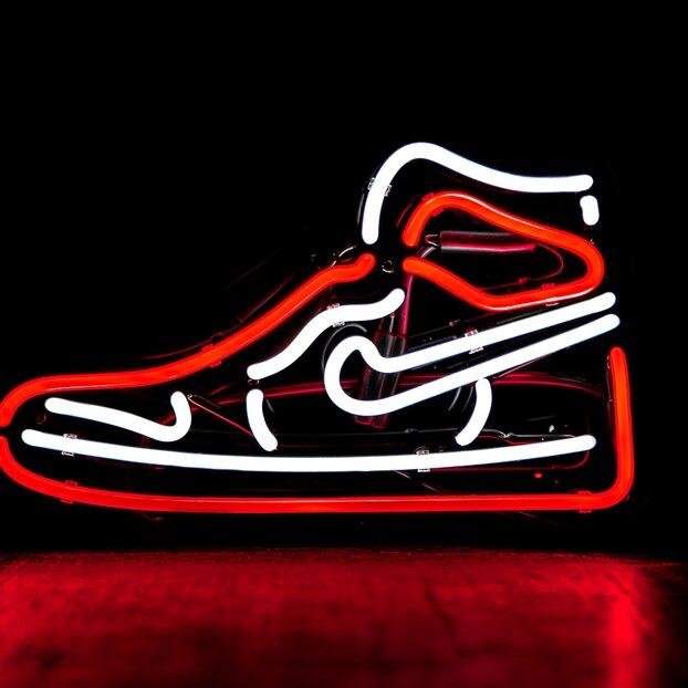 Nike решили судебный спор ссоздателями «сатанинских кроссовок»