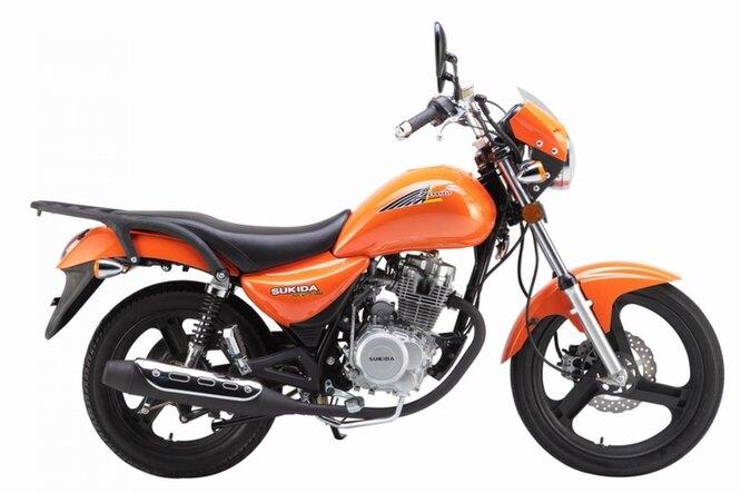 Sukida (Гуанчжоу). Компания основана в 2000 году, производит разнообразную мототехнику. На снимке – дорожная модель Sukida SK150-4B.