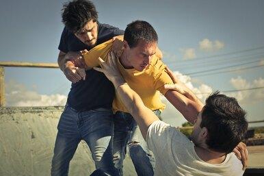 Как правильно драться: полный гид поуличной самообороне отMH