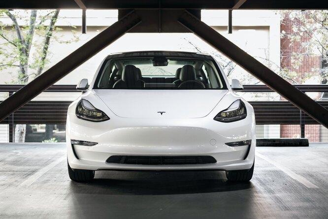 В «народном каршеринге» можно будет арендовать Tesla иAudi Q7