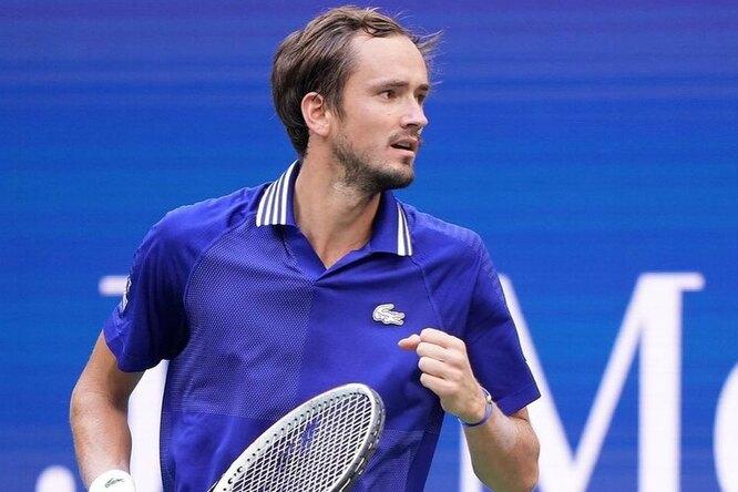 Медведев победил «величайшего теннисиста всех времен» вфинале «Большого шлема»