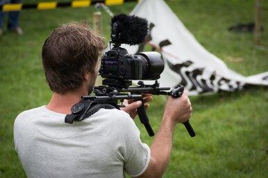На Олимпиаде оператор снимал таракана вместо женской игры вхоккей натраве
