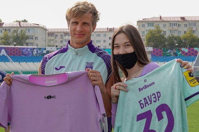 Болельщица разделась добелья во время матча ради именной футболки отзащитника «Уфы»
