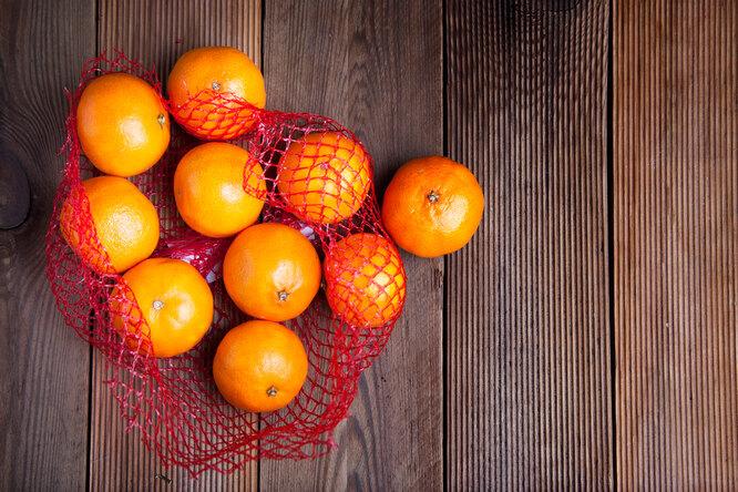 Почему мандарины иапельсины продаются вкрасных сетчатых упаковках?