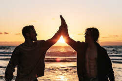 Как сохранить мужскую дружбу взрелом возрасте даже нарасстоянии