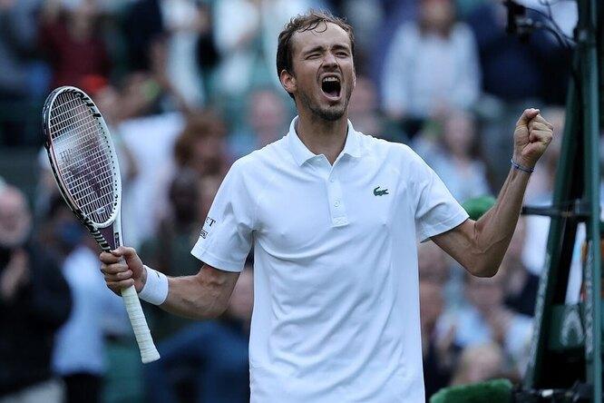 Даниил Медведев попал втоп-10 самых высокооплачиваемых теннисистов поверсии Forbes