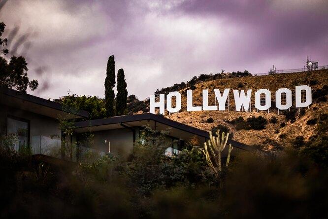 Надпись Hollywood наГолливудских холмах выставят нааукцион как NFT
