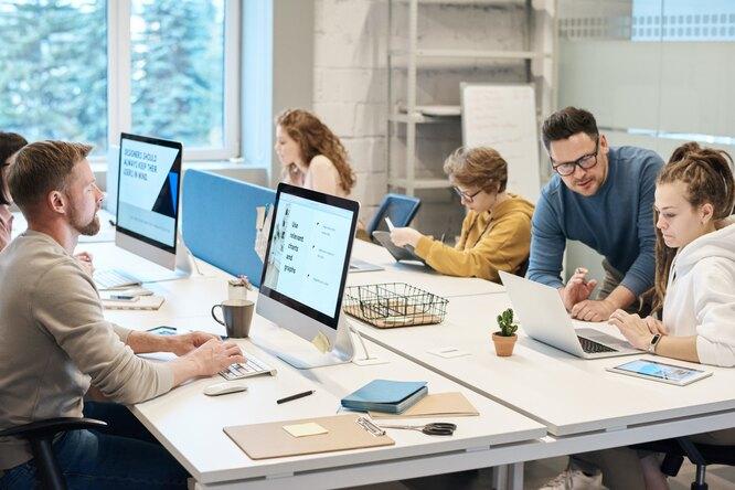 Что вприоритете уроссиян привыборе работы? Результаты опроса